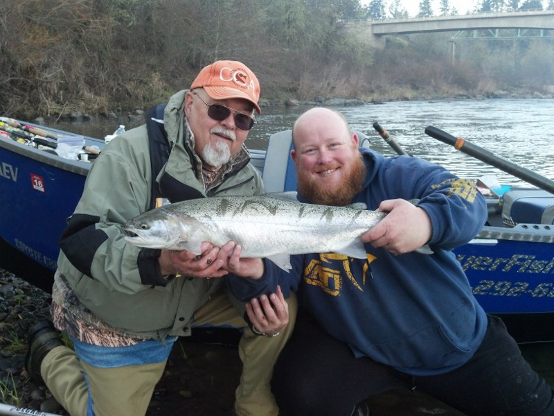 Umpqua jon geyer 39 s oregon river fishing reports for Umpqua river fishing report